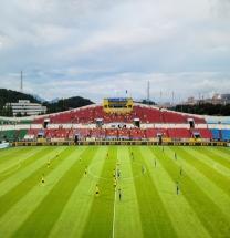 충남아산FC, '리그 2위' 전남에 세 골차 완승