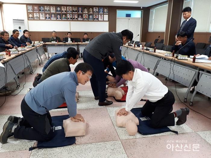 8. 심폐소생술실습교육.jpg