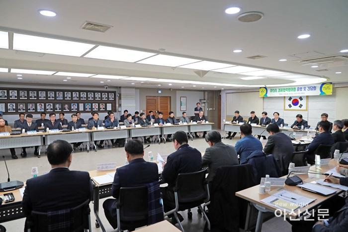 2.경제협력협의회(이날 회의에는 종업원 100인 이상 및 우수기업 대표자 56명이 참석했다.)_8274.jpg