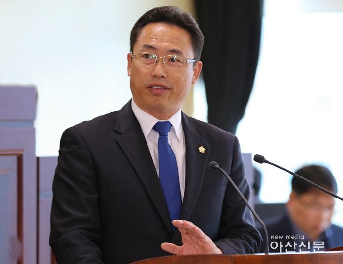 홍성표위원.JPG